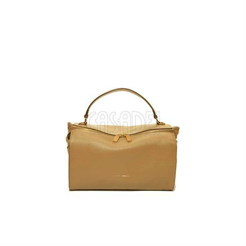 hand-bag-medium-in-leather-coccinelle-atsuko-e1eha180101w46-camel