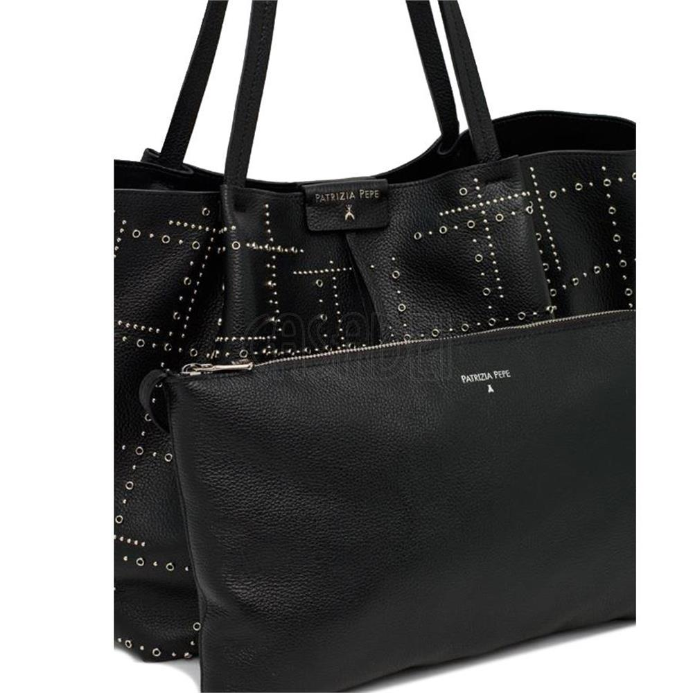 borsa-shopping-grande-patrizia-pepe-in-pelle-2v8896-k103-borchie-black_medium_image_5