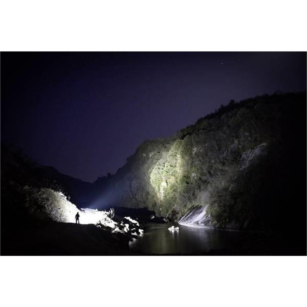 olight-x9r-marauder-led-long-range-torch_medium_image_8